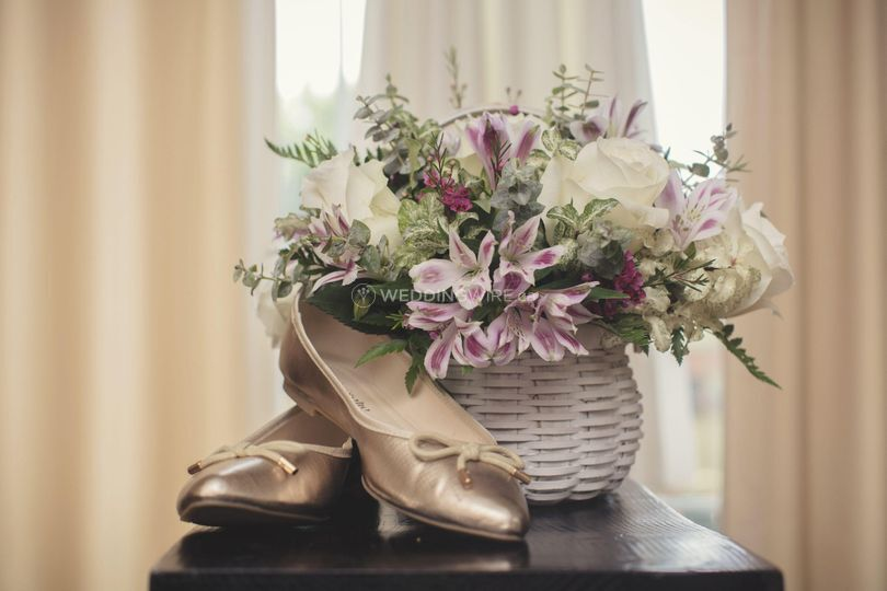 Bridal basket with balet flats