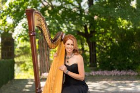 Chantal Dube, The Harpist