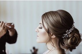 Brilliant bridal hairstyle