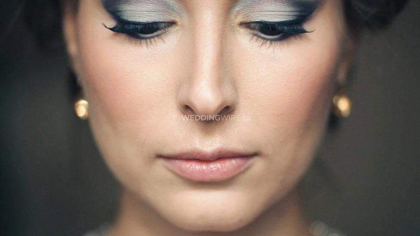Amal Afoussi | Makeup Artist