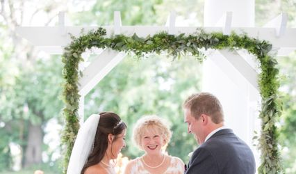 Tracy Biggar, Wedding Officiant