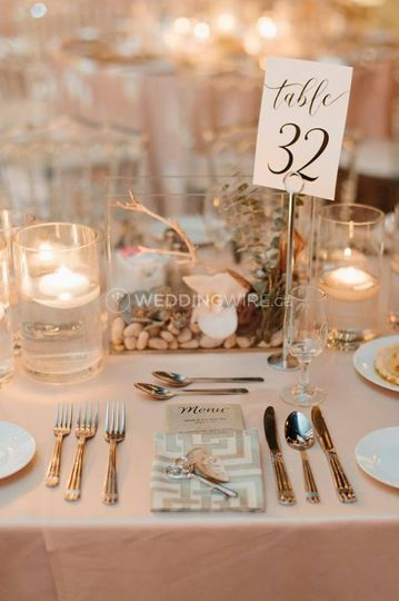 Blooming table setting