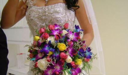 Laviolette Flowers & Decor