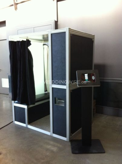 Enclosed booth & sharing kiosk