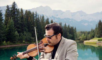 Donald MacLennan - Violinist/Vocalist