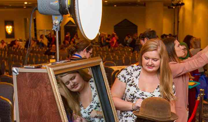 Mirror Booth - sign your photo