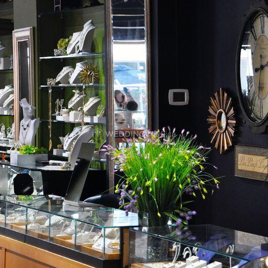 True bijoux jewellery store