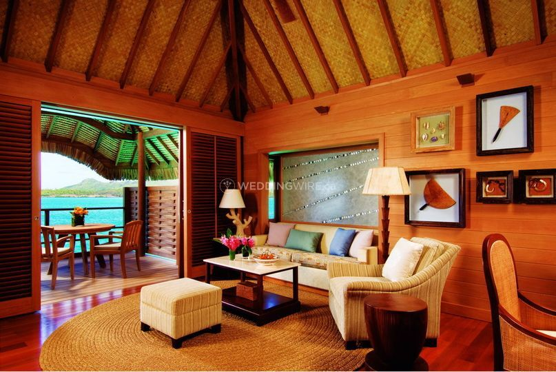 BOB Four Seasons Overwater bungalow with Plunge Pool4.gallery_image.1.jpg