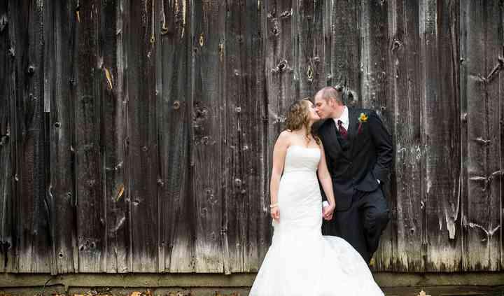 Waterdown, Ontario wedding couple