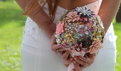 Pretty Things Jewelled Bouquet and Cake Toppers