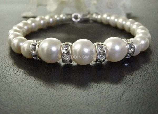 1279336885053-braceletpearls468002Copy.jpg
