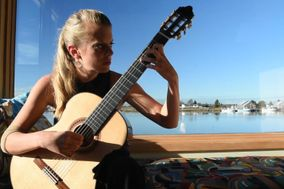 Louise Southwood - Classical guitarist