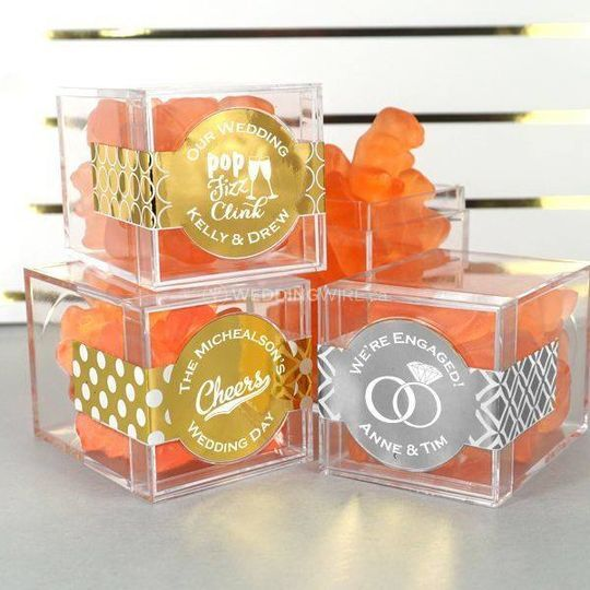 Metallic Foil Gummy Bear Acrylic Box Favors Champagne Flavor