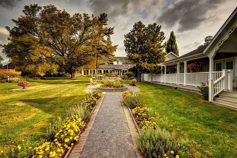 Picton, ON wedding manor
