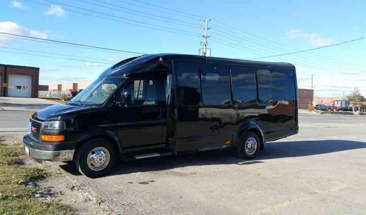 Vip shuttle coach