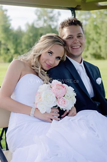 Rainy River, Ontario wedding couple