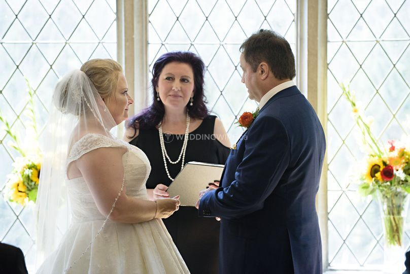 Wedding Officiant, Tracy Sweet