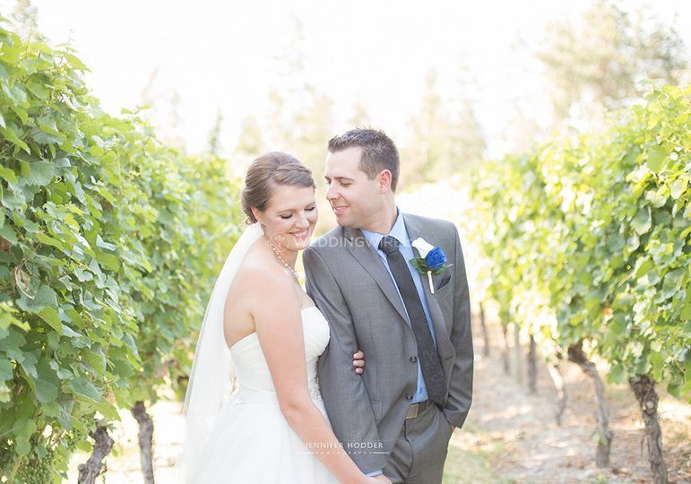 Cedar_Creek_Estate_Winery_Kelowna_Wedding_Couple[1].jpg