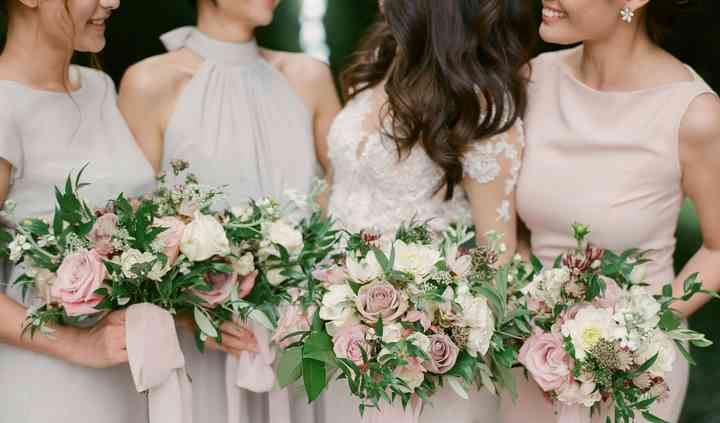 Soft bridal and bridesmaids