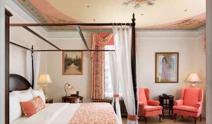 Guestroom at Pendray Inn