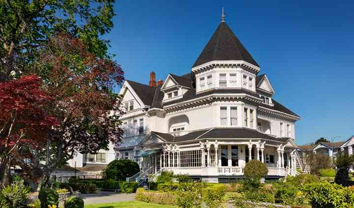 Pendray Inn & Tea House
