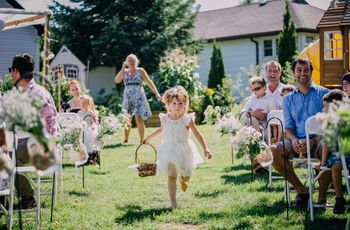 How to Choose Your Flower Girl's Outfit