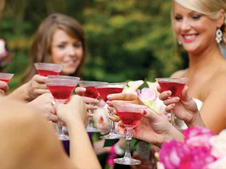 6 Things You'll Need for a Killer Wedding Cocktail Hour