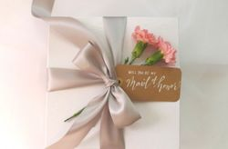 Giving Wedding Gifts and Favours