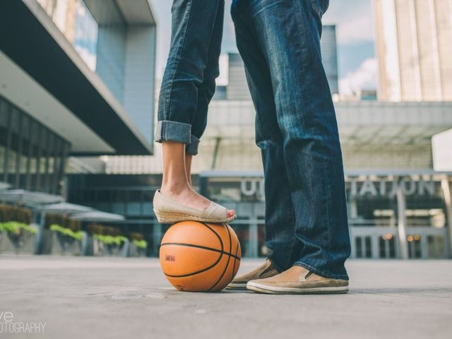 5 Epic Sports Themed Engagement Photo Ideas