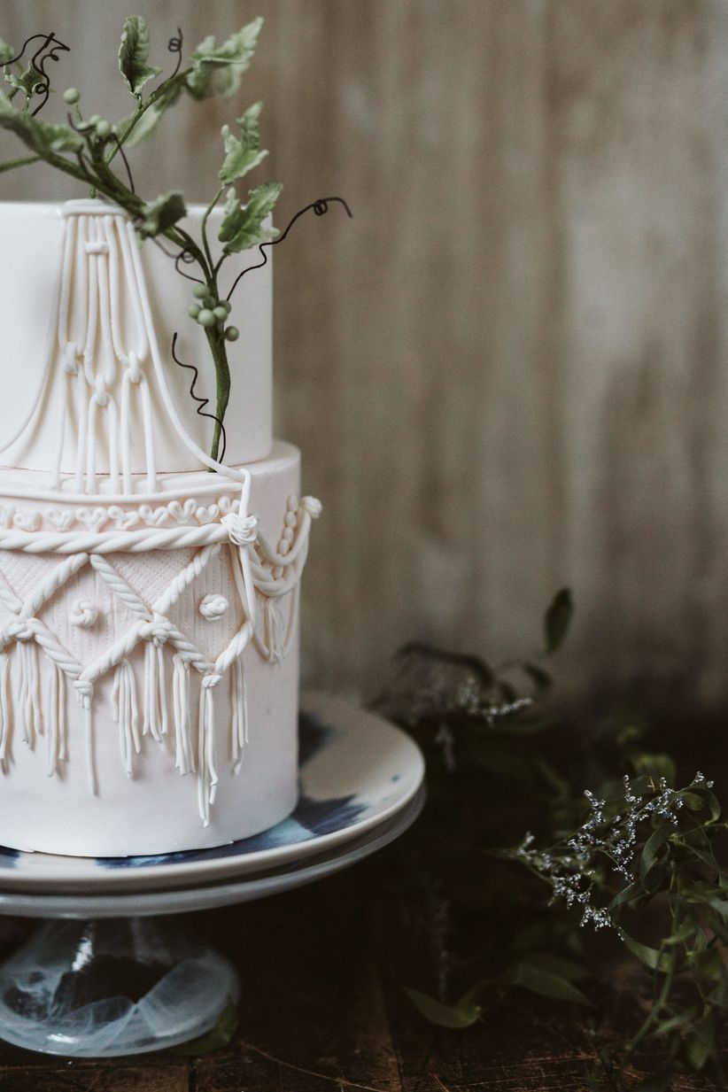 Macrame rustic wedding cake
