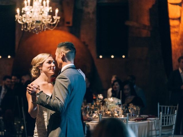 25 Romantic Piano Wedding Songs Worthy of Your First Dance