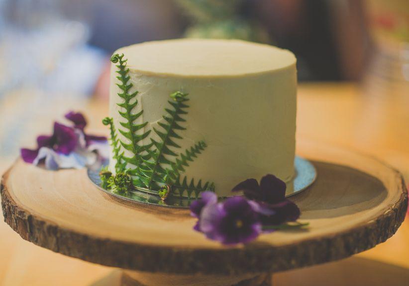Small rustic wedding cake