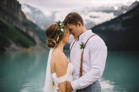 How to Stage An Amazing First Look Wedding Photoshoot