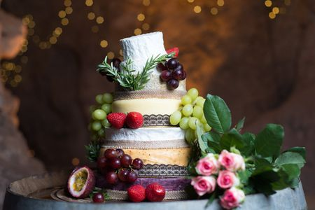 5 Tips for Making an Epic Cheese Wedding Cake