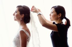 How to Choose a Wedding Hairstylist