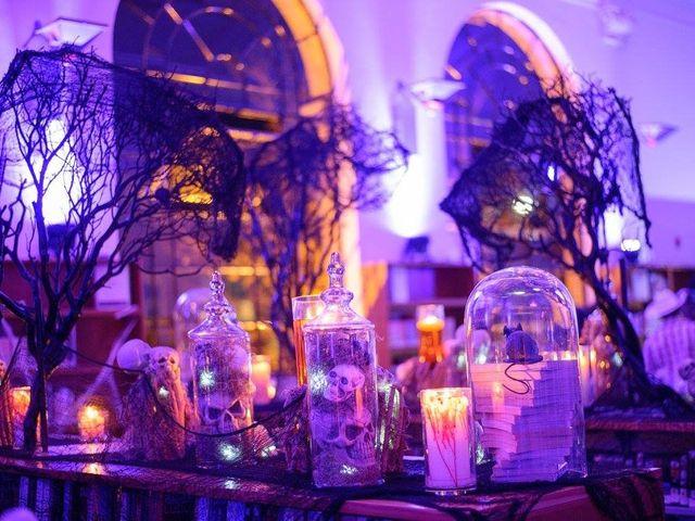13 Awesome Halloween Wedding Ideas