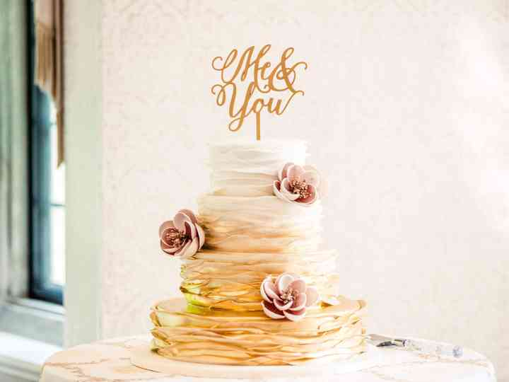 6 Ruffle Wedding Cake Ideas We're Totally Obsessed With