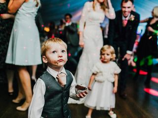 5 Ways to Host a Kid-Friendly Wedding