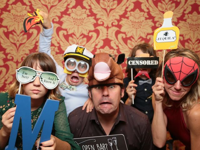 5 Wedding Photo Booth Props You Totally Need for Your Reception