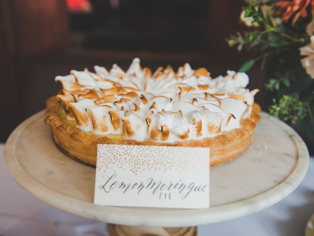 6 Ways to Serve Pie at Your Wedding