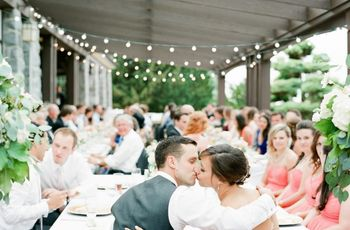 What Songs to Play While Your Wedding Guests Eat Dinner