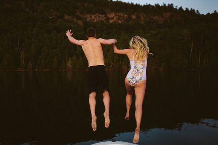 5 Major Differences Between a Honeymoon and a Minimoon