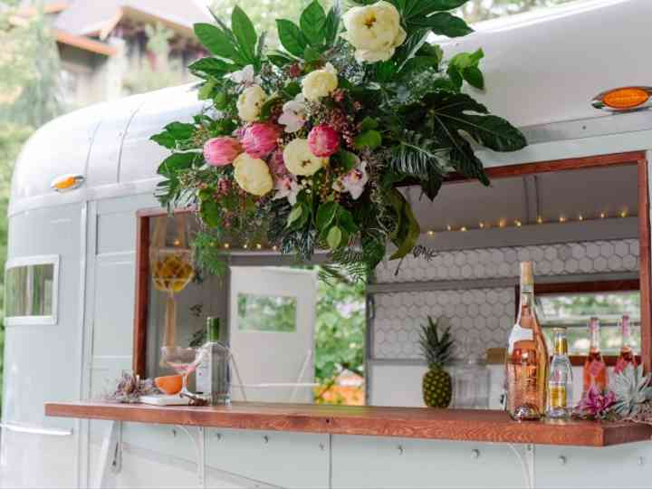 5 Tips for Designing Your Wedding Bar