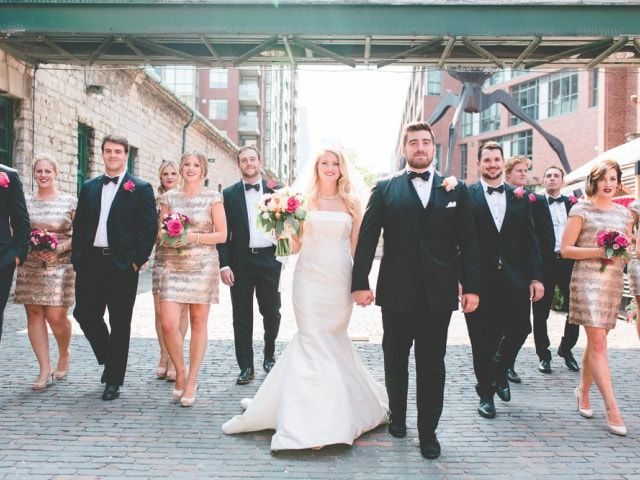 5 Tasks to Let Your Wedding Party Handle