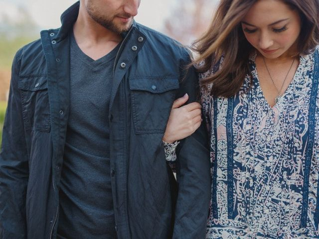 5 Tips for Choosing Your Engagement Photo Outfits