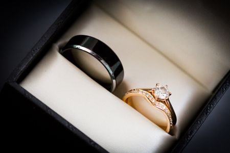 5 Things to Think About When Shopping for Men's Wedding Rings