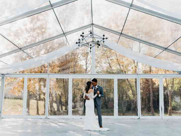 How to Rock the Transparent Wedding Decor Trend