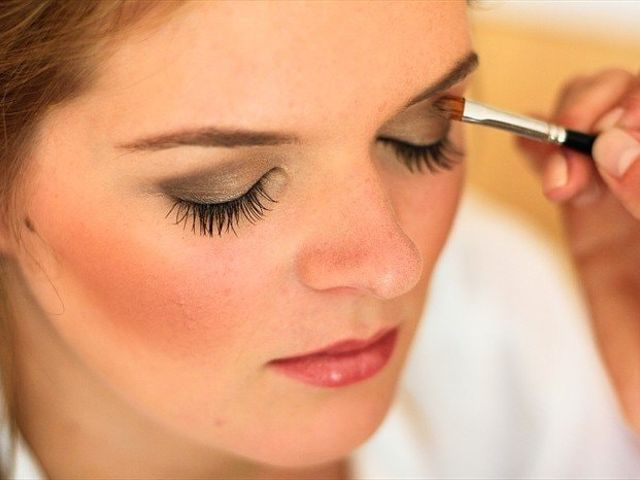 8 Things to Ask Your Makeup Artist