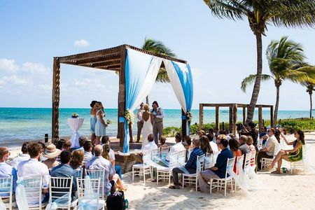 Who Pays for What in a Destination Wedding