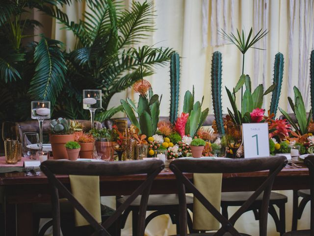 How to Nail Your Tropical Wedding Theme
